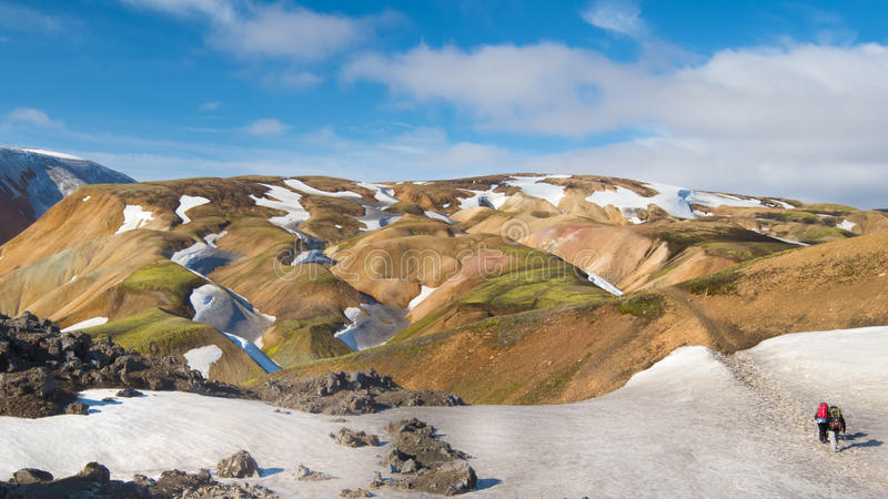 Rhyoliteberg, Fjallabak naturreserv, Island royaltyfri foto