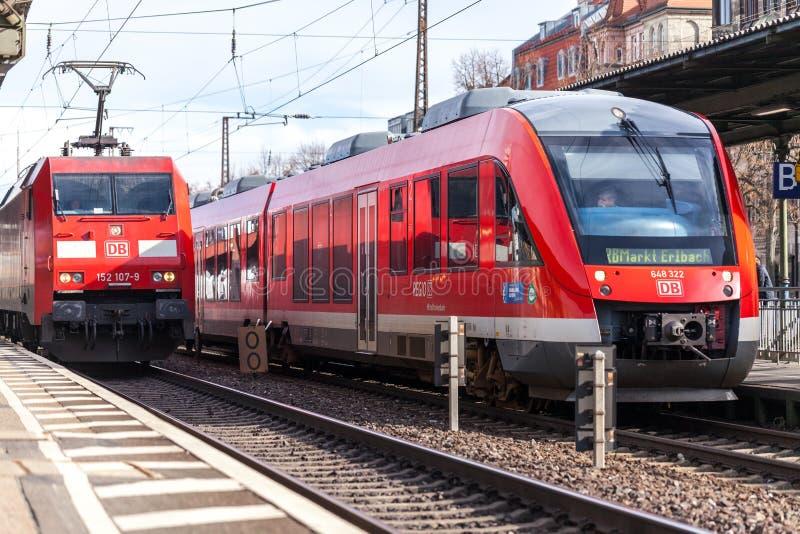 RI treno espresso regionale da Deutsche Bahn fotografia stock