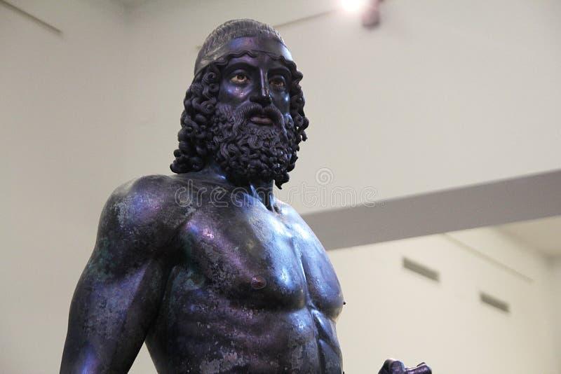 Riace brons ståenden arkivfoto