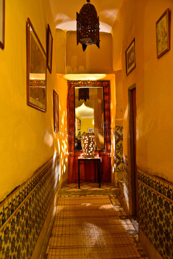 Riad em C4marraquexe, Marrocos imagem de stock