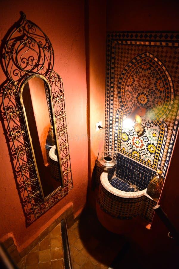 Riad in Marrakech, Marokko stock foto's