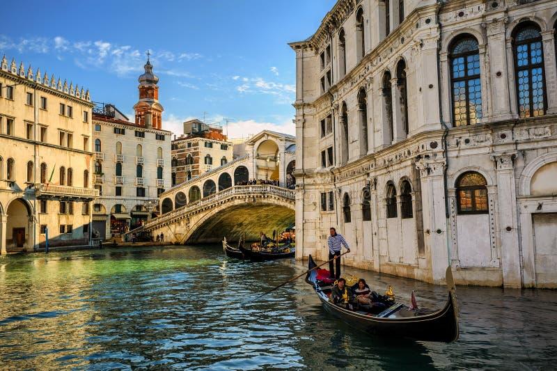 Rialto-Brücke auf Grand Canal, Venedig, Italien stockfoto