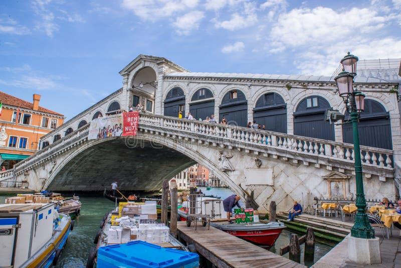 Rialto-brige in Venedig, Italien stockfoto