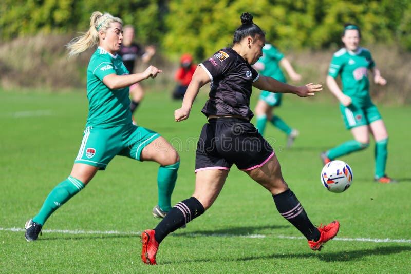 Rianna Jarrett pendant le match de ligue national des femmes entre les femmes de Cork City FC et le Wexford Youths photographie stock