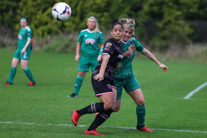 Rianna Jarrett pendant le match de ligue national des femmes entre les femmes de Cork City FC et le Wexford Youths photos stock