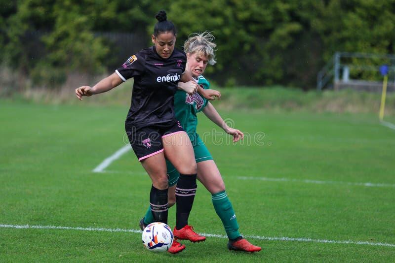 Rianna Jarrett pendant le match de ligue national des femmes entre les femmes de Cork City FC et le Wexford Youths photo stock