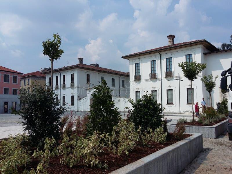 Riapertura di Busto Arsizio Italia del quadrato di Vittorio Emanuele II al traffico fotografia stock libera da diritti