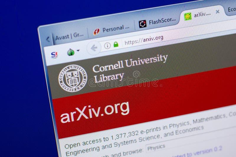 Riazan, Russie - 8 mai 2018 : Site Web d'Arxiv sur l'affichage du PC, URL - Arxiv org image libre de droits