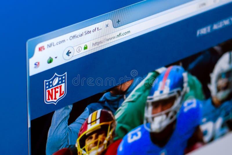 Riazan, Russie - 28 mars 2018 - page d'accueil de Ligue Nationale de Football Américain de NFL sur l'affichage du PC, adresse de  photos libres de droits
