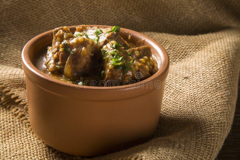 Rib met saus Braziliaanse voedsel typische geroepen canjiquinha in Brazilië royalty-vrije stock fotografie