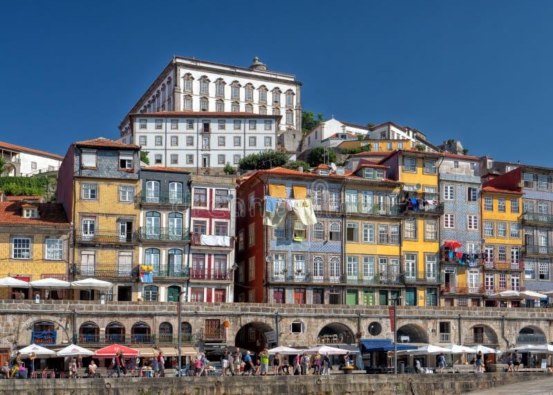 Ribeira Waterkant en Bischop` s Paleis, Porto, Portugal royalty-vrije stock fotografie