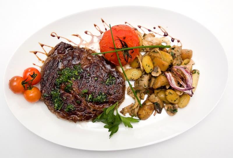 Ribeye Steak vom Marmorrindfleisch lizenzfreie stockfotos