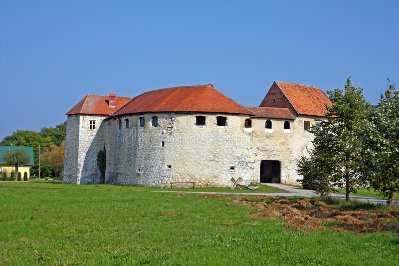 Ribnik-Schloss, Kroatien stockfotografie
