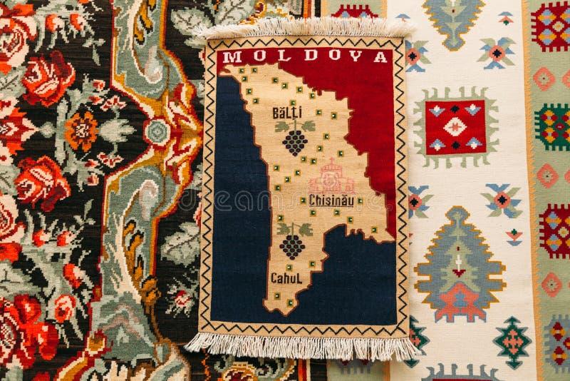 Ricamo ed ornamenti nazionali moldavi immagine stock libera da diritti
