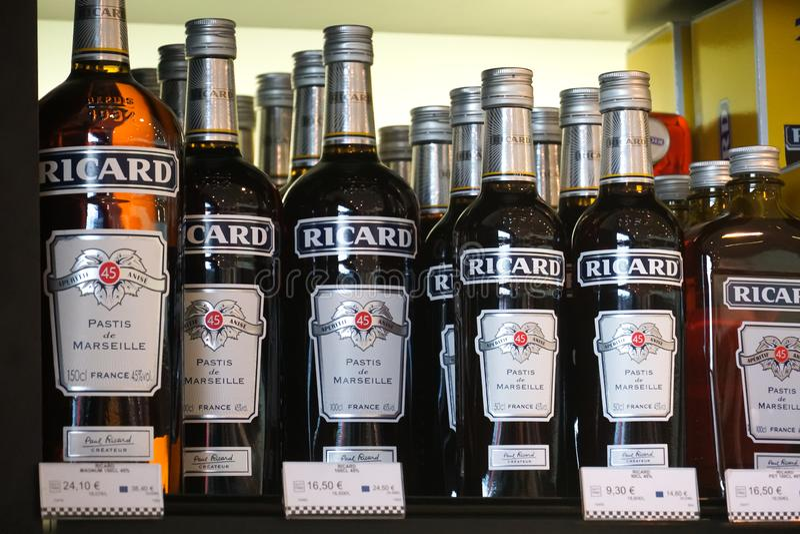 Ricard pastis de Marseille butelki obrazy royalty free