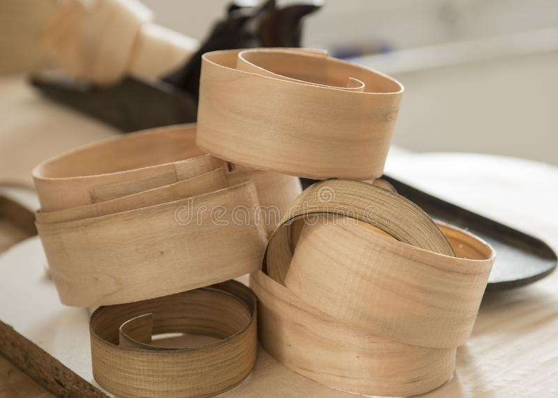 Riccioli di legno crema quasi traslucidi fotografia stock