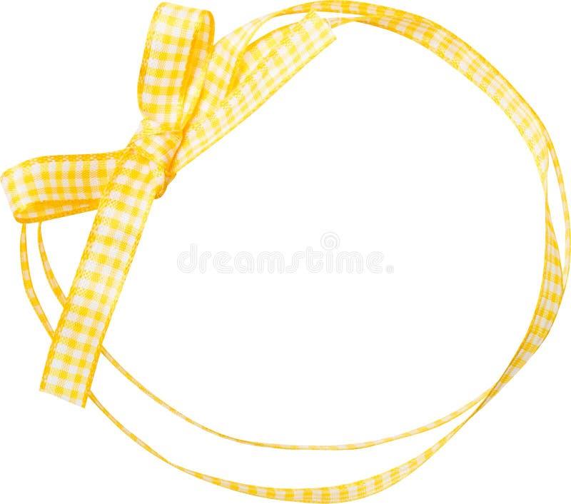 Ricciolo giallo del nastro del controllo isolato su fondo bianco immagine stock libera da diritti