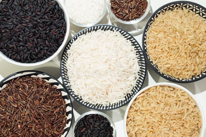 Rice, różne rozmaitość surowi ryż obrazy stock