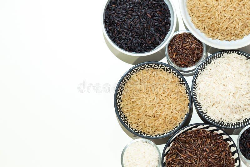 Rice, różne rozmaitość surowi ryż, przestrzeń dla teksta/ fotografia stock