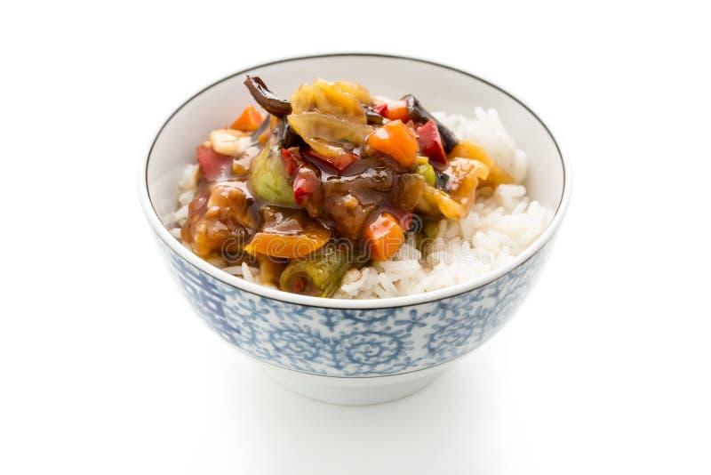 Rice z cukierki i podśmietania warzywami zdjęcie stock
