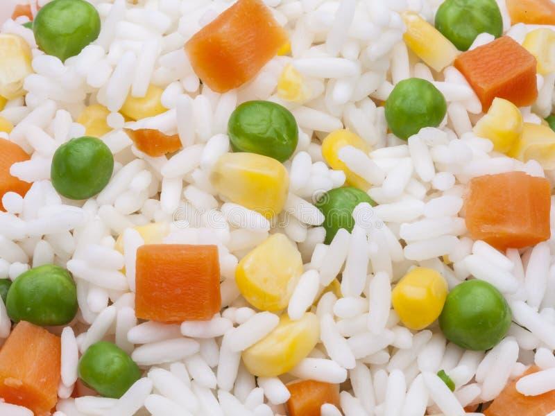 Rice z kukurudzą, marchewką i grochem, zdjęcie stock