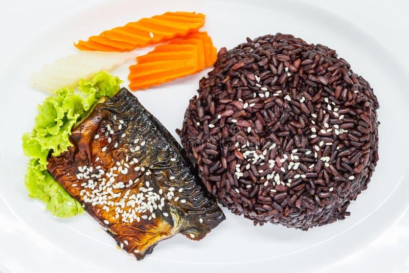 Riceberry mit teriyaki Makrele lizenzfreies stockbild