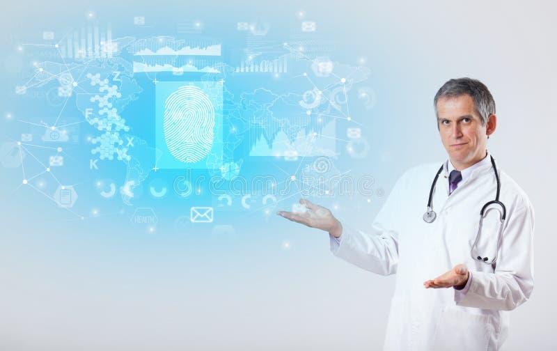 Ricercatore professionista con lo stetoscopio immagine stock