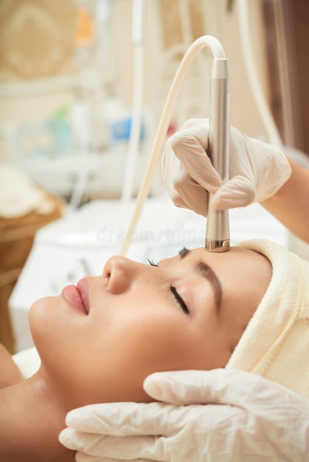Ricezione del trattamento della pelle di ringiovanimento di cavitazione immagini stock