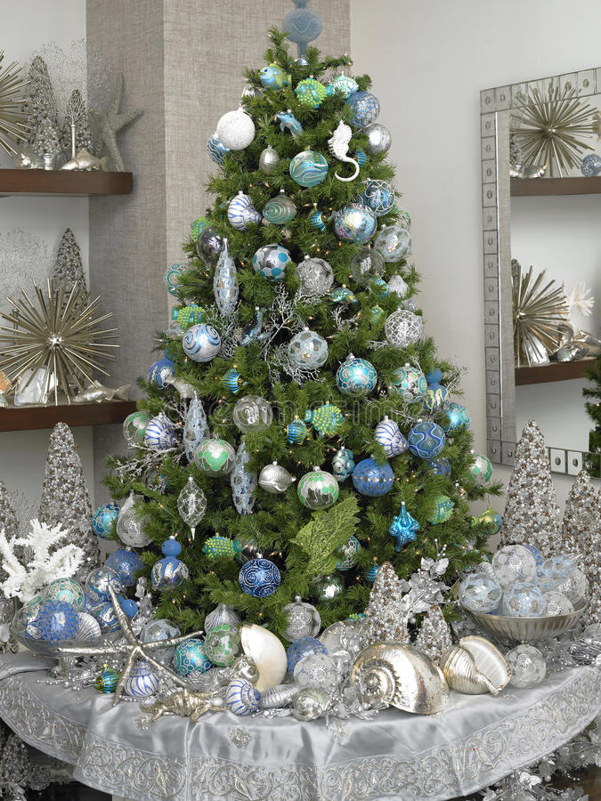 Download Rich christmas tree stock image. Image of celebration - 11749059