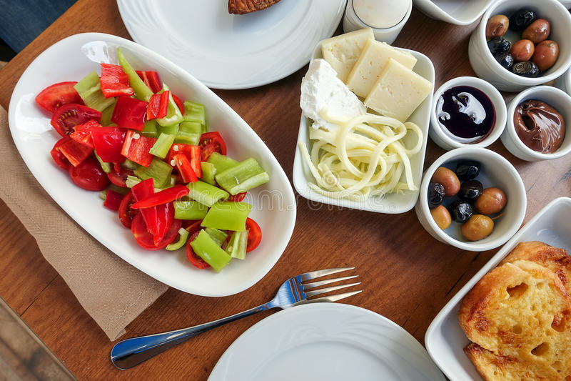 Rich Turkish Breakfast traditionnel images stock
