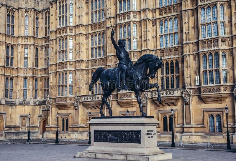 Richard Lionheart-beeldhouwwerk in Londen stock foto's