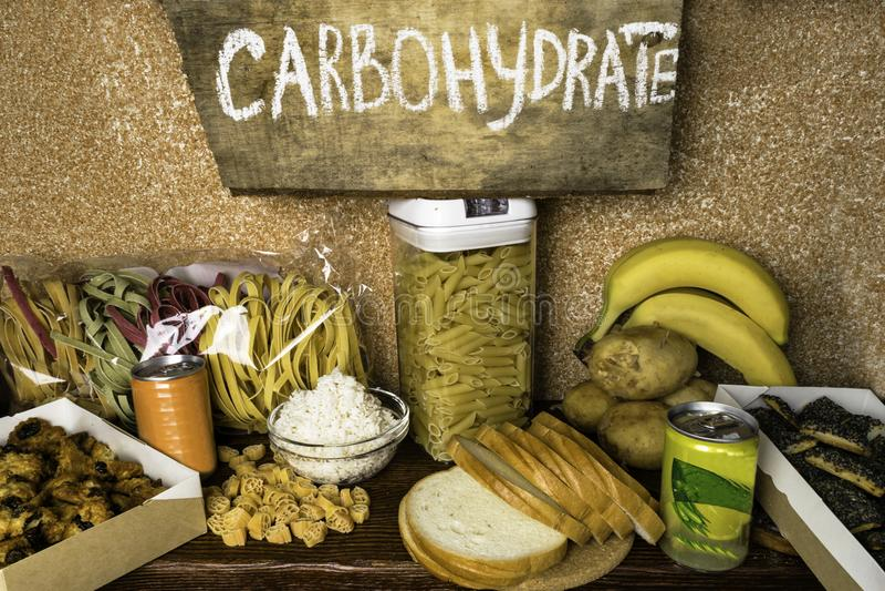 Riches de produits des hydrates de carbone complexes Nourritures plus hautes en hydrates de carbone Concept de consommation d'ali image libre de droits