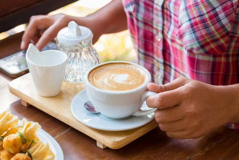 Richieda tempo con caffè immagine stock