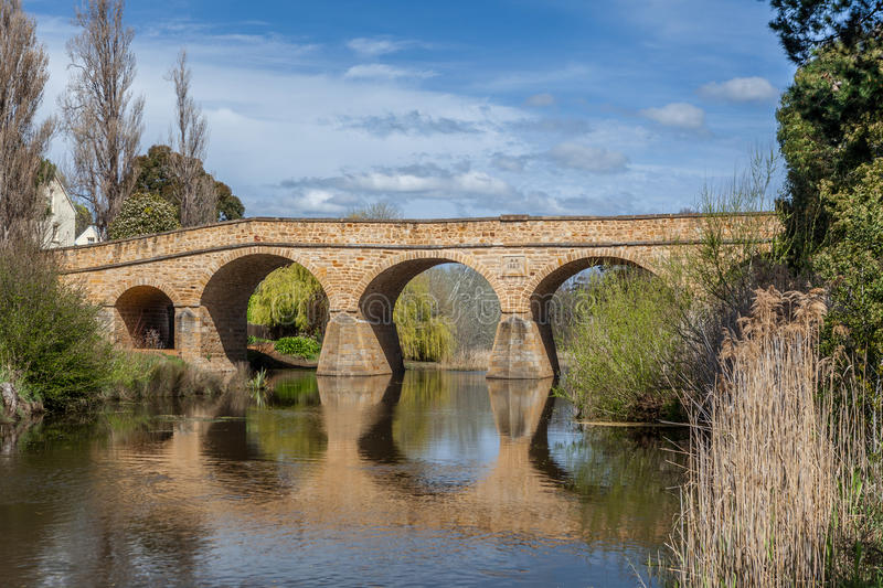 Richmond Bridge e riflessione La Tasmania, Australia Tasmania, Au immagine stock