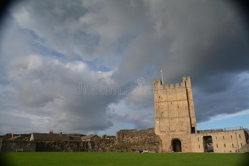 Richmond Castle i North Yorkshire arkivbild