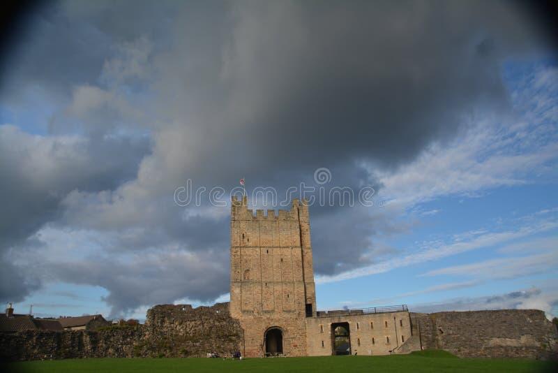 Richmond Castle i North Yorkshire royaltyfri bild
