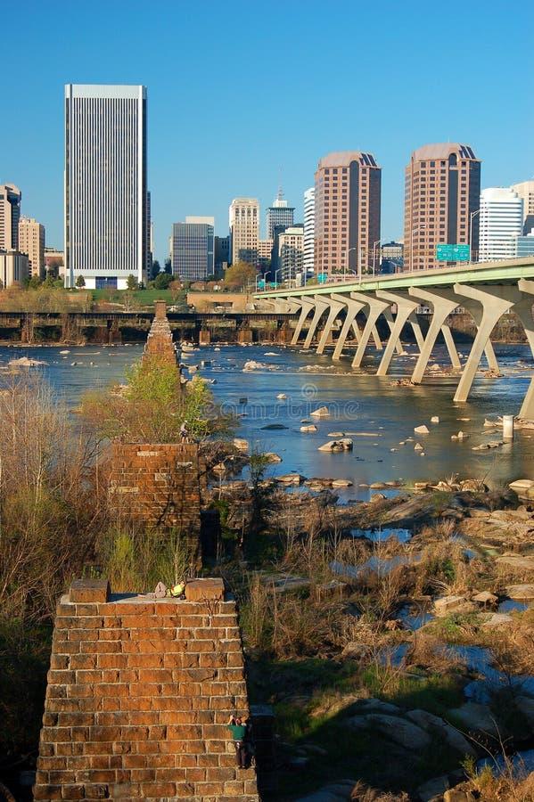 Richmond Virginia och James River fotografering för bildbyråer