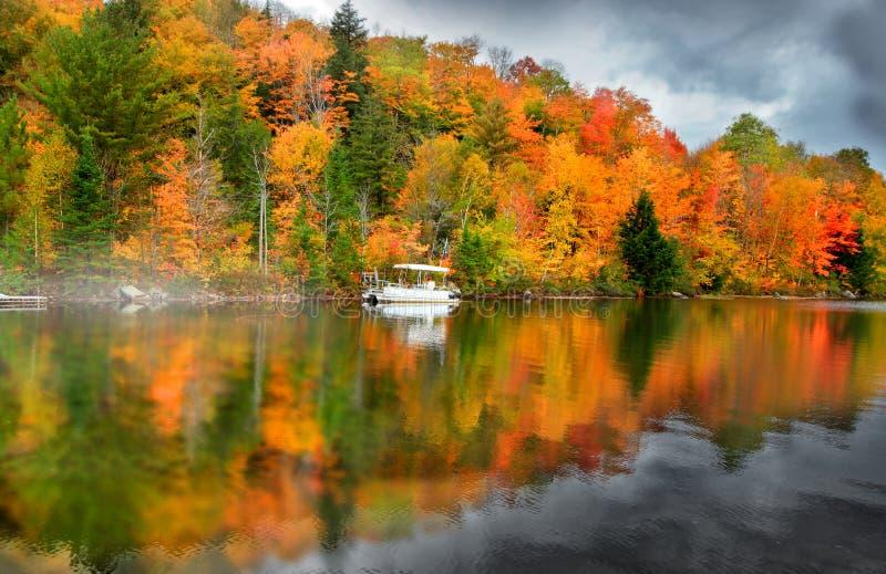 Ricker-Teich in Vermont lizenzfreie stockfotografie