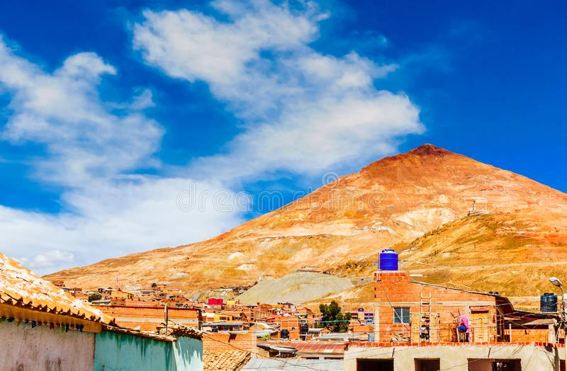 Rico Potosi - Bolivia de Cerro de la mina de cobre imagenes de archivo