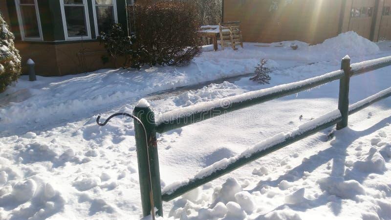 Ricoprendo a 2-3 pollici di neve fotografia stock libera da diritti