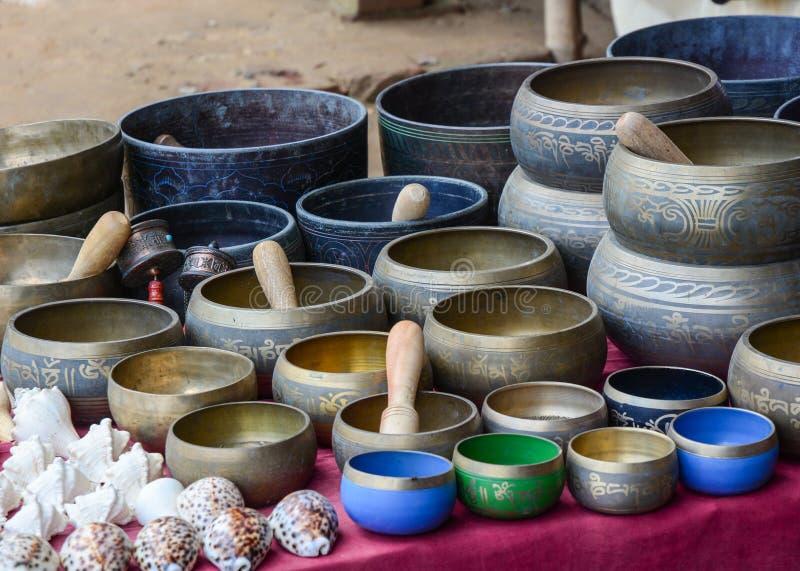 Ricordi da vendere al tempio di Mahabodhi in Bodhgaya, India fotografia stock