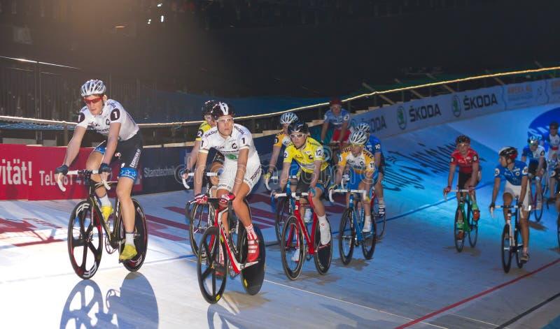 Ricos 2011 del ¼ de las De seis días-Noches ZÃ del desafío de la bici de Ndoor foto de archivo libre de regalías