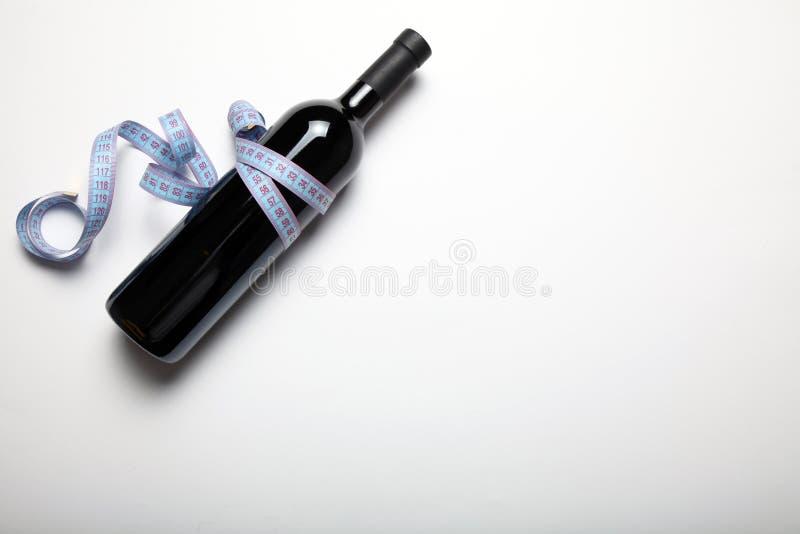 Ricos de la dieta de la aptitud en antioxidantes con el vino tinto fotos de archivo libres de regalías