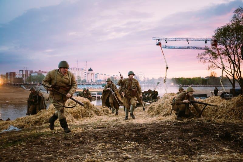 Ricostruzione della battaglia durante gli eventi dedicati fotografia stock libera da diritti