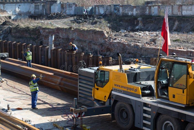 Ricostruzione delle banchine nel centro urbano. immagini stock libere da diritti
