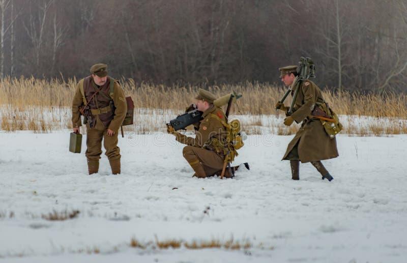 ricostruzione Militare-storica delle lotte dei periodi della prima guerra mondiale, Borodino, il 13 marzo 2016 immagini stock