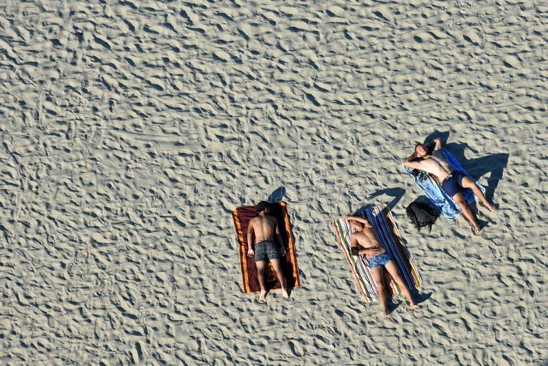 Ricreazione dei turisti sulla costa di Mar Nero della spiaggia di Mamaia fotografie stock