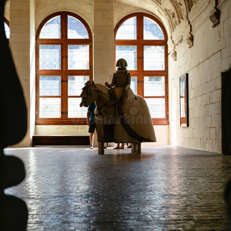 Riddareskulptur i slotten Chateau de Chambord royaltyfri foto
