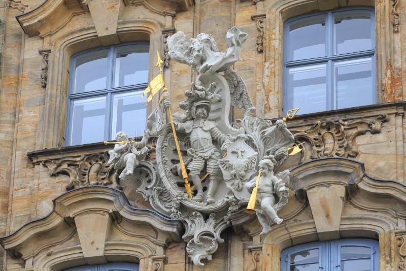 Ridder met spear en engelen met trompettenstandbeelden in Bamberg royalty-vrije stock fotografie