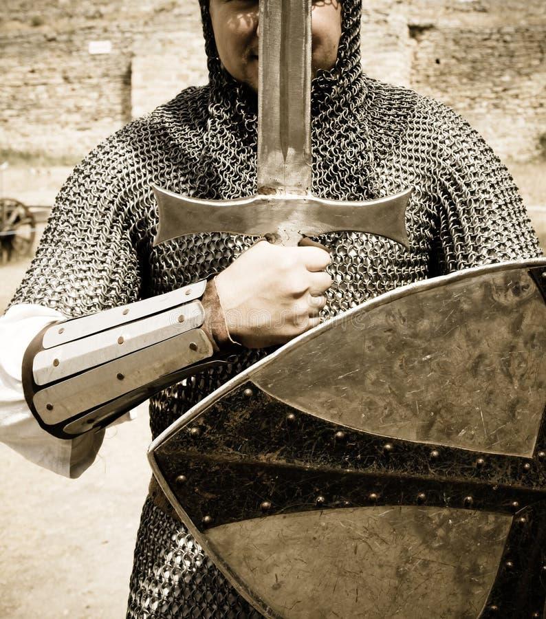Ridder met strijdzwaard royalty-vrije stock afbeeldingen